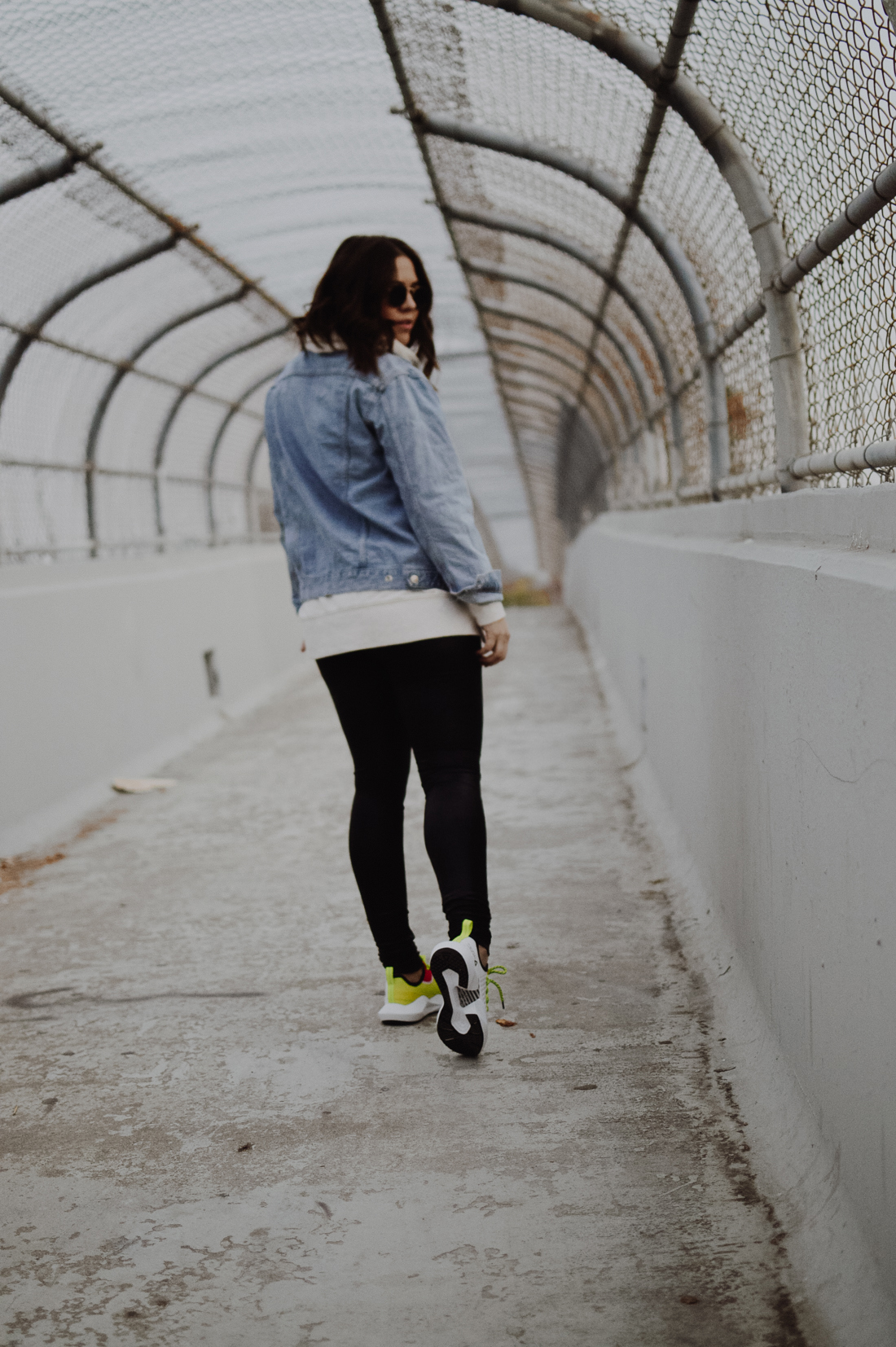 Must-Have Athleisure Clothing to Add to a Modern Wardrobe via. The Pacific Standard | www.ThePacificStandard.com