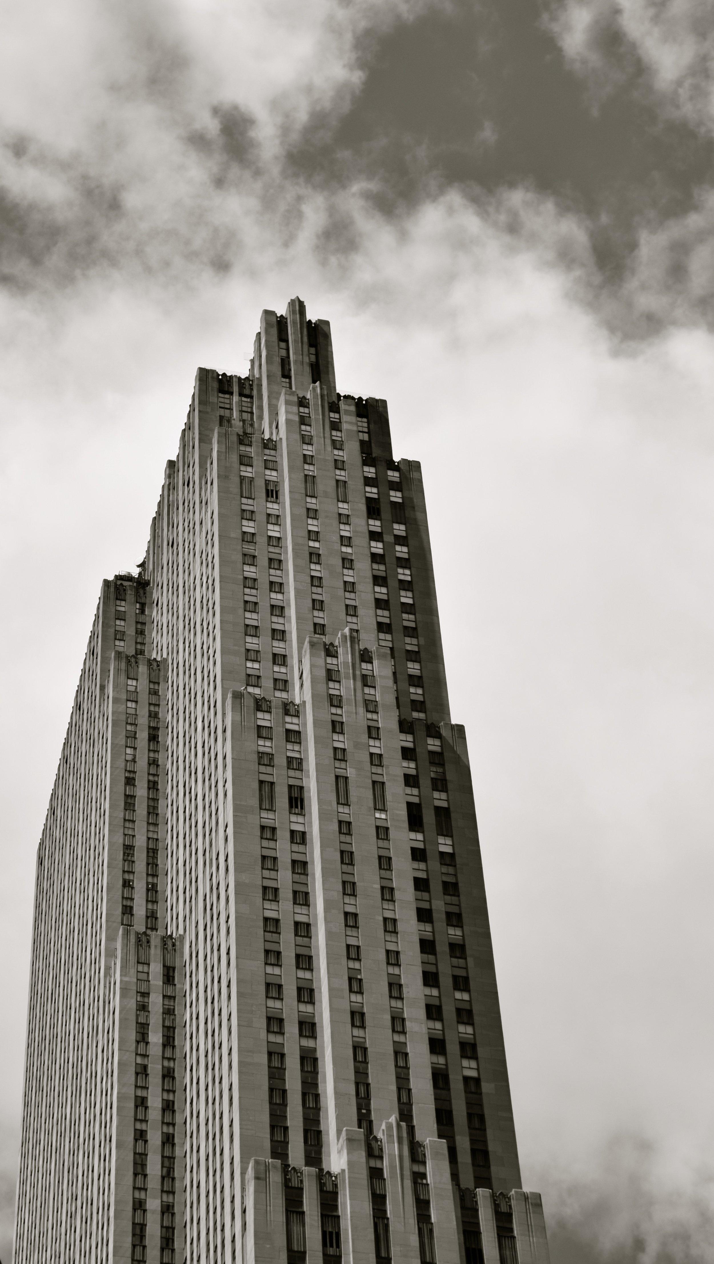 30 Rockefeller's Art Deco Crown