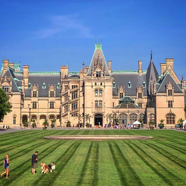 Architecture and Landscape pilgrimage to the amazing Biltmore Estate in Asheville, North Carolina.  #biltmoreestate #asheville #northcarolina #architecture #chateau #richardmorrishunt