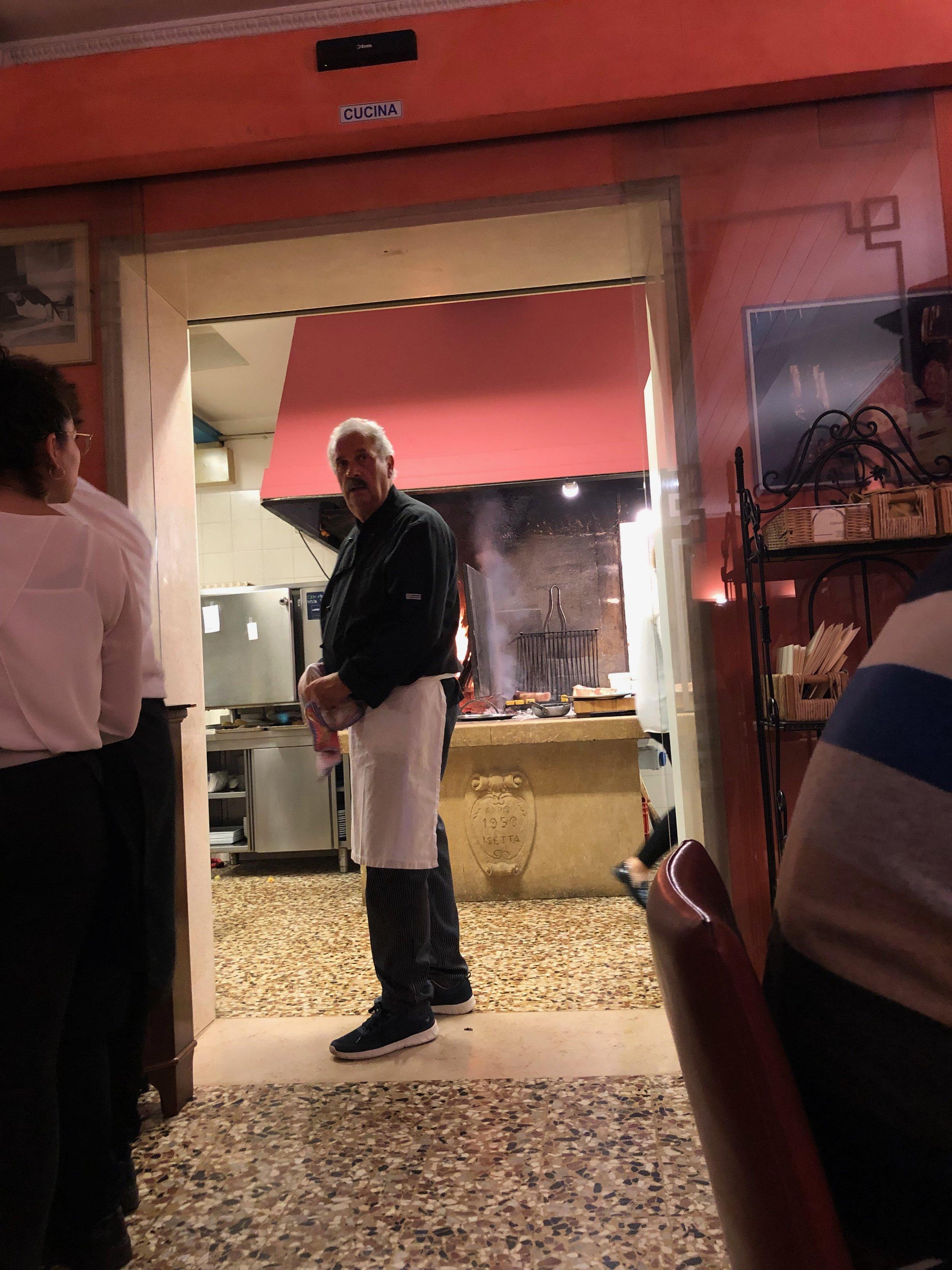 De man van het vuur in de keuken. (al 20 jaar!).jpg