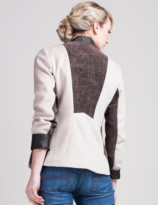 Switchback-Sandstone-ladies-car-coat-teresa-crowninshield-silk-cashmere-angora-wool-shell-silk-lining-inlaid-silk04.jpg