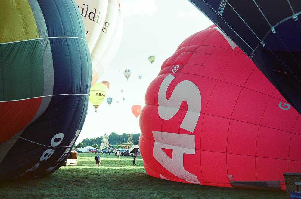 fat-creative.com:2016:12:hot-air-balloon-ride-in-bristol-_5.jpg