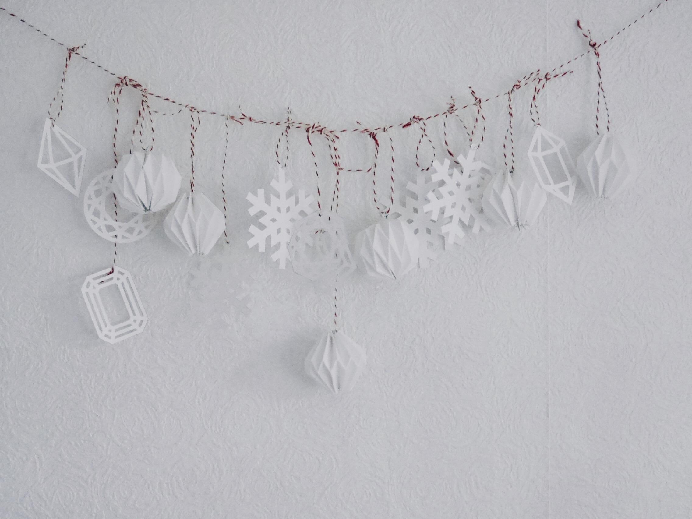 blog:2016:12:diy-paper-christmas-decorations(3).jpg
