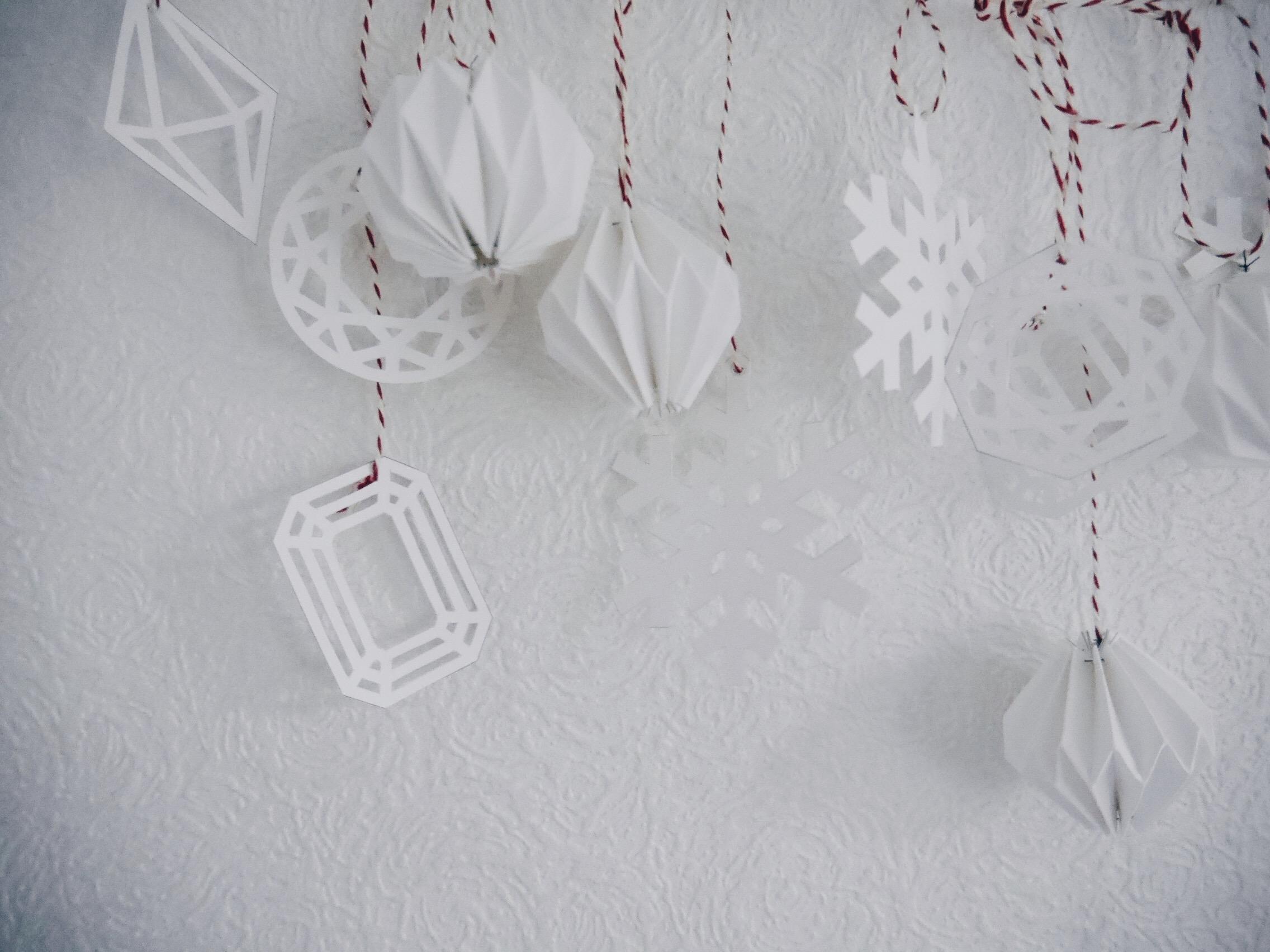 blog:2016:12:diy-paper-christmas-decorations(9).jpg