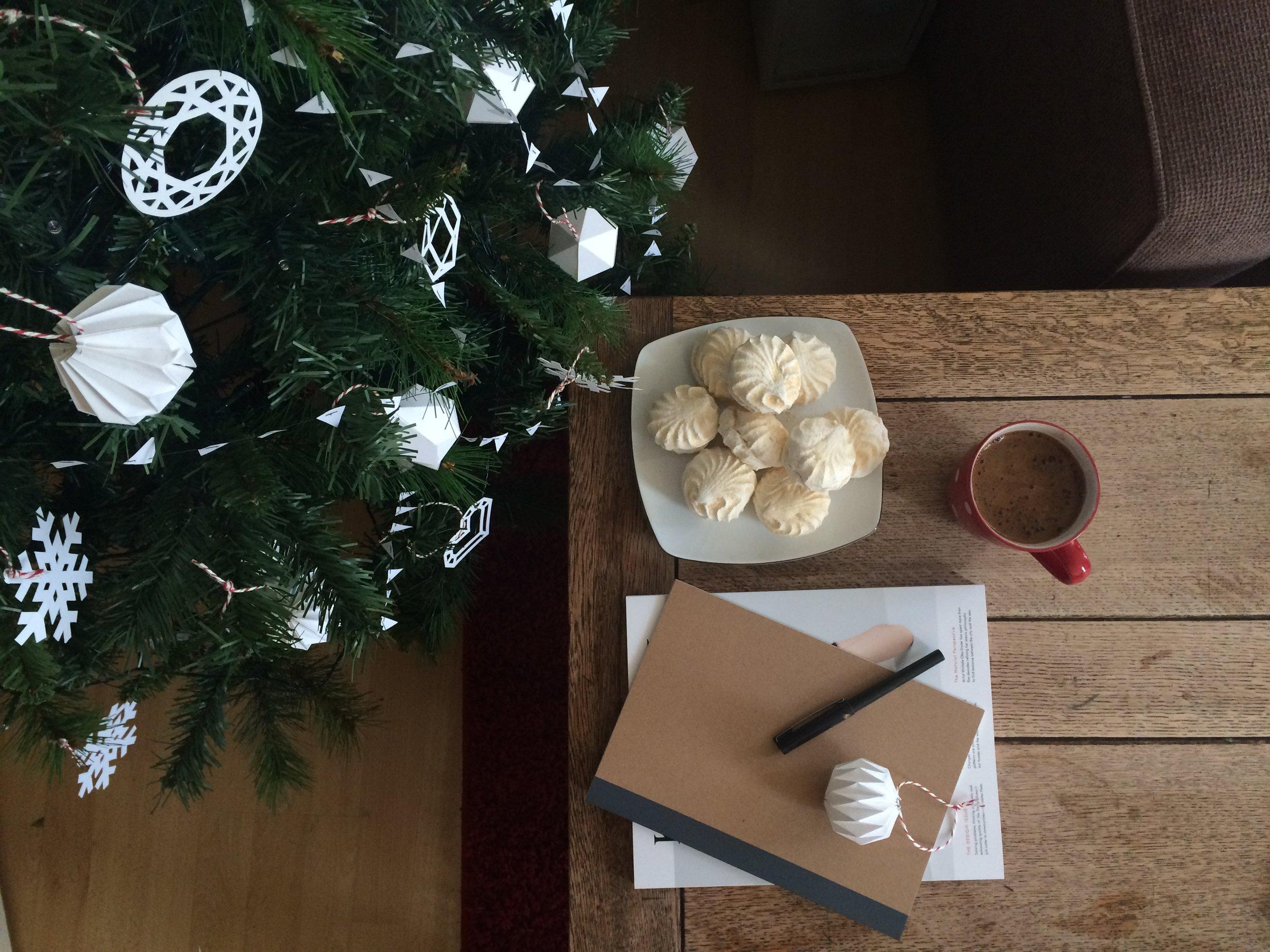 blog:2016:12:diy-paper-christmas-decorations(12).jpg