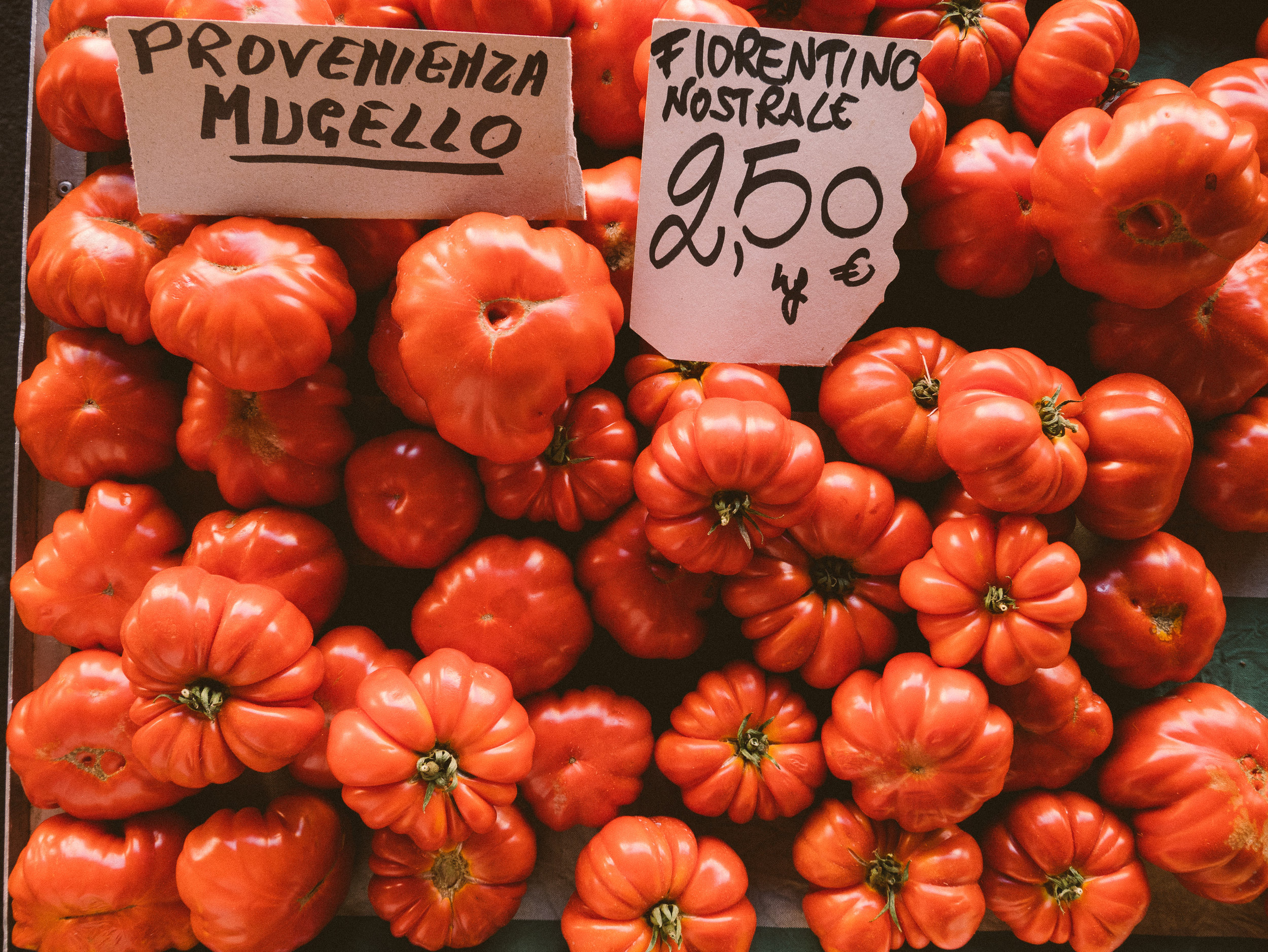 The most delicious tomatoes you will find at Sant Ambrogio market