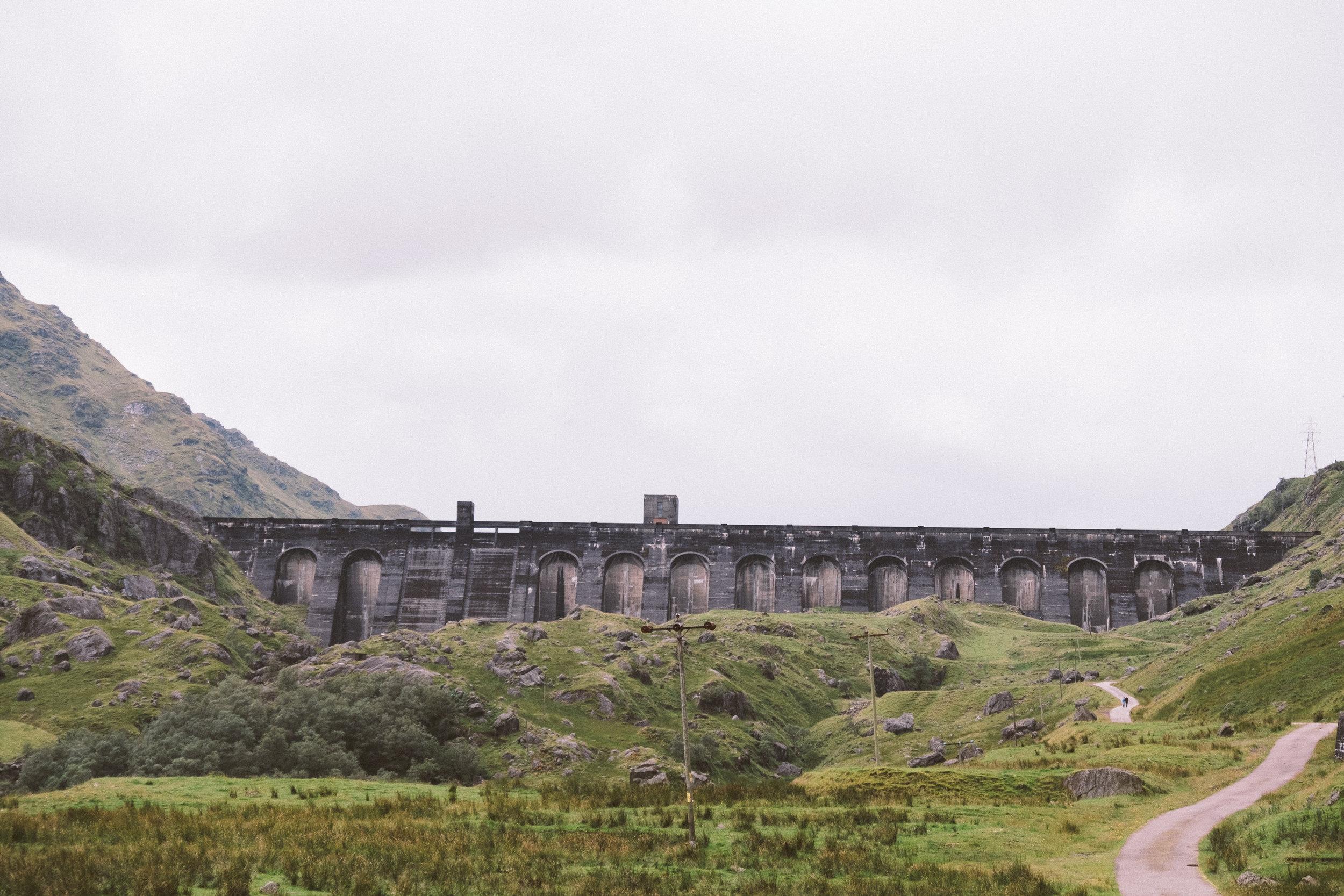 fat_creative_travel_blog_loch_sloy_easy_hike_scotland-16.jpg