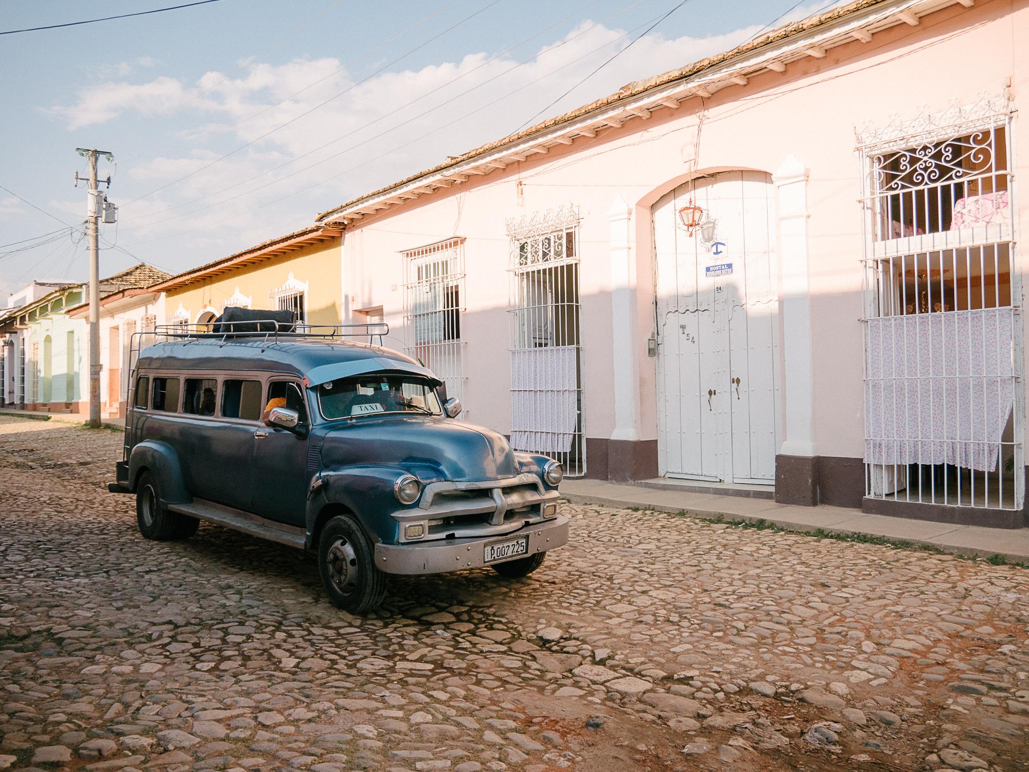 travel-explore-cuba-trinidad-cuba-old-american-car-taxi.jpg