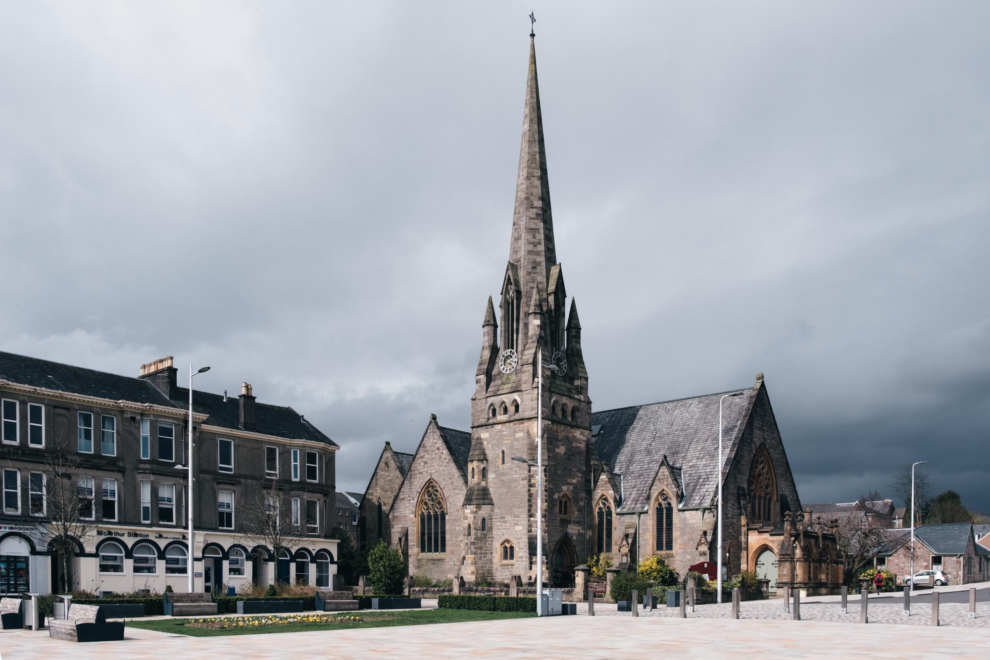 colquhoun-square-helensburgh-parish-church-scotland.jpg