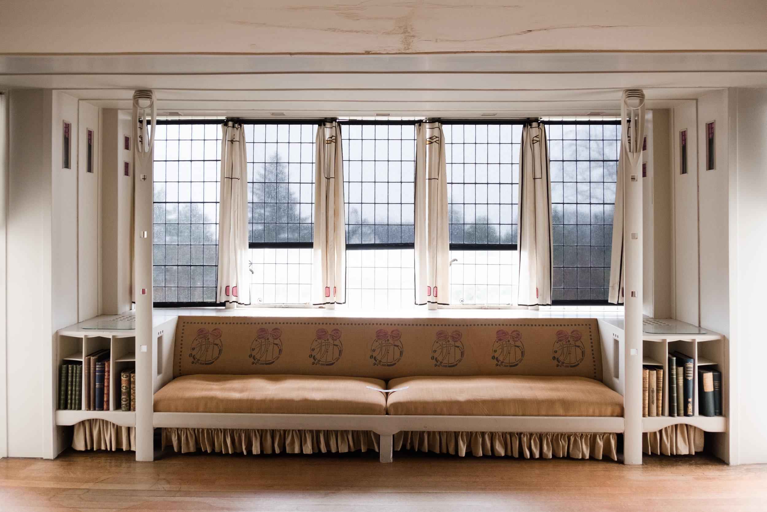 Charles-mackintosh--the-hill-house-architecture-design-helensburgh-scotland-3.jpg