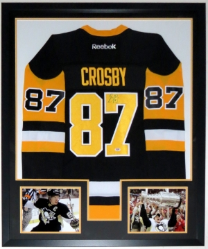 Sidney Crosby Signed Pittsburgh Penguins Jersey - PSA DNA COA Authenticated - Professionally Framed & 2 8x10 Photo 32x44