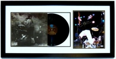 Pete Townshend Signed The Who Quadrophenia Album & 11x14 Photo Compilation - PSA DNA COA Authenticated - Professionally Framed 34x16