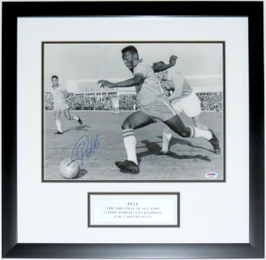 Pele Signed Brazil 11x14 Photo - PSA DNA COA Authenticated - Professionally Framed