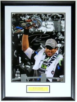 Russell Wilson Signed Seattle Seahawks Super Bowl 16x20 Photo - PSA DNA COA Authenticated - Professionally Framed
