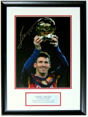 Lionel Messi Signed Barcelona 11x14 Photo - Messi COA - Custom Framed & Plate