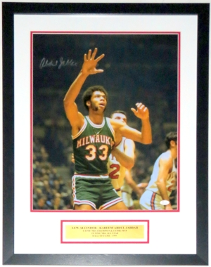 Kareem Abdul Jabbar Signed 16x20 Photo - JSA COA Authenticated - Professionally Framed & Plate