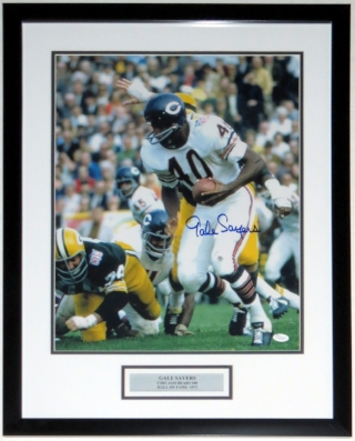 Gale Sayers Signed Chicago Bears 16x20 Photo - JSA COA Authenticated - Professionally Framed & Plate
