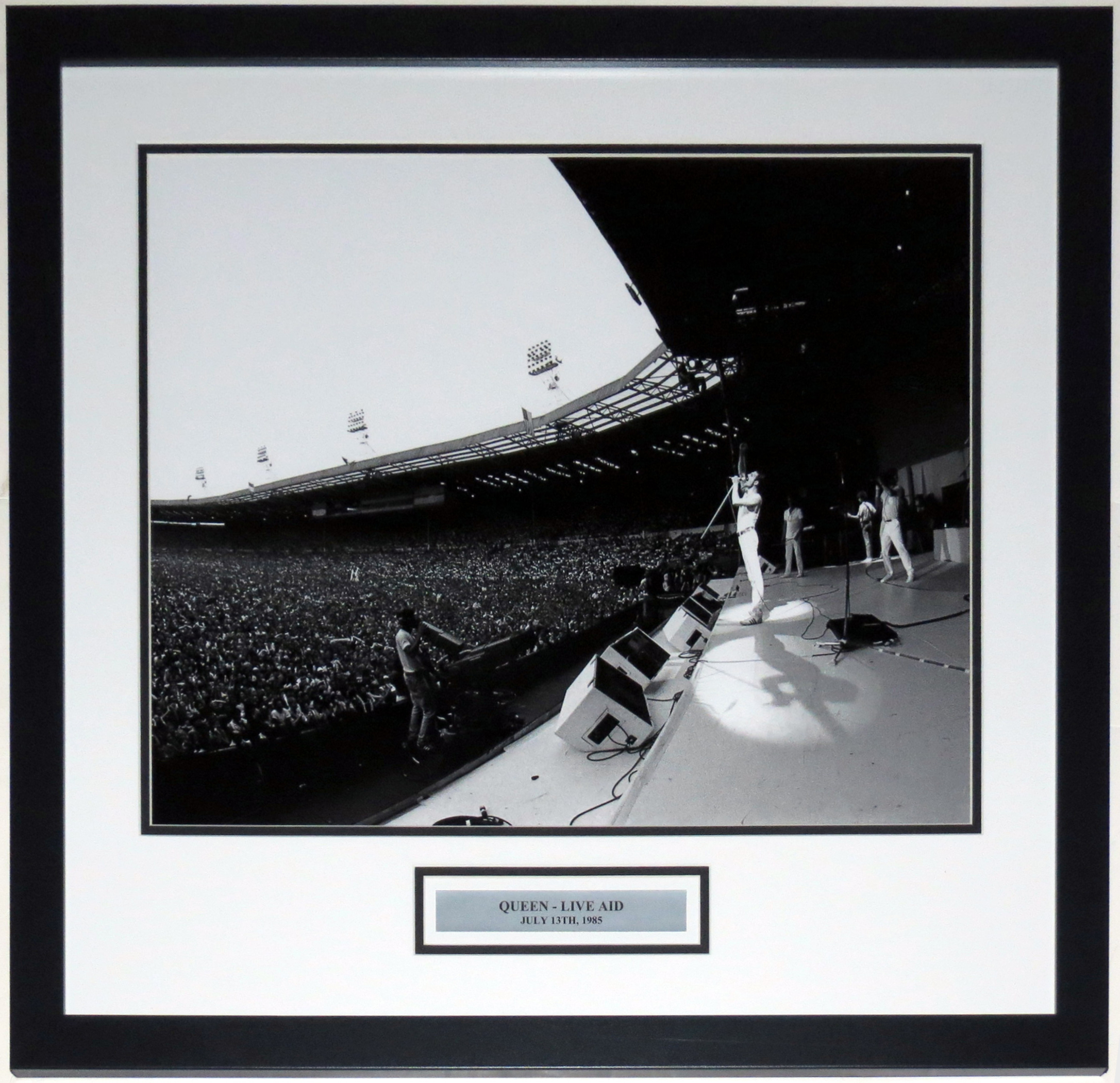 Freddy Mercury Queen Live Aid Concert 16x20 Photo - Professionally Framed & Plate