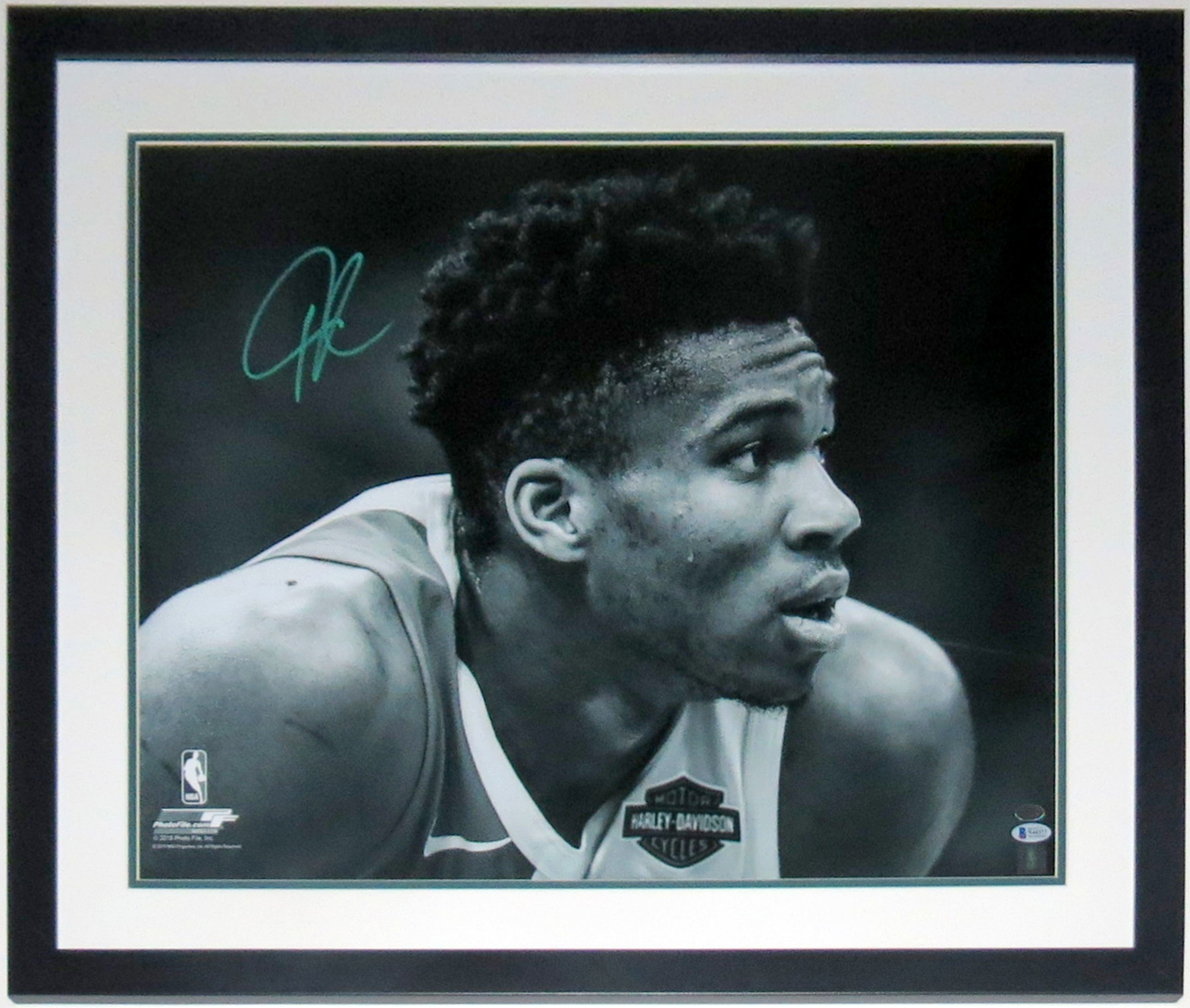 Giannis Antetokounmpo Signed Milwaukee Bucks 18x24 Photo - Beckett Authentication Services BAS COA -Professionally Framed