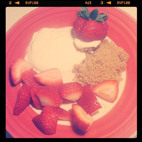 berry+treat+plate.jpg