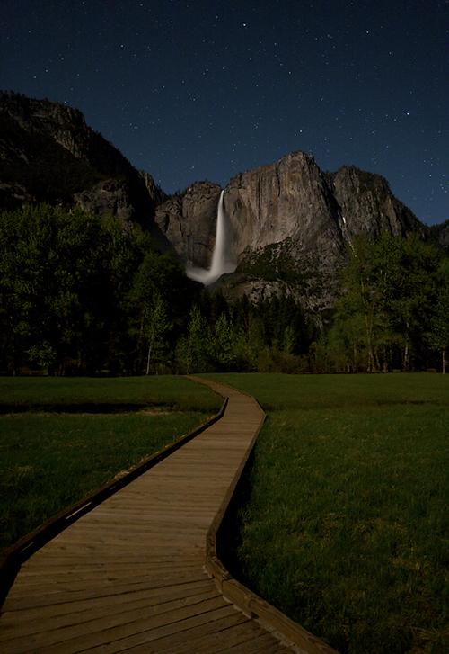 Yosemite_Falls_Night_500.jpg