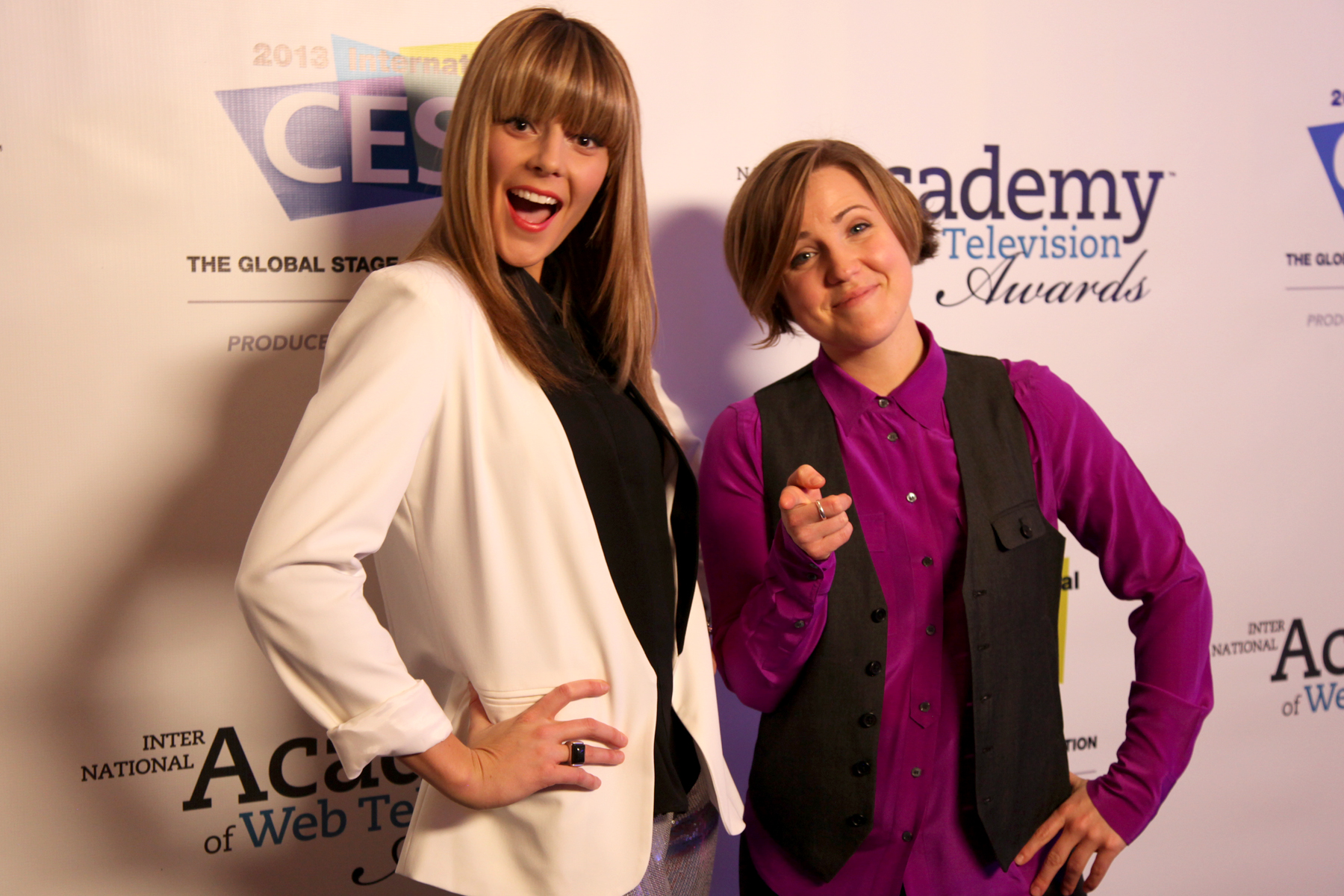 IAWTV Awards-Grace Helbig and Hannah Hart.jpg
