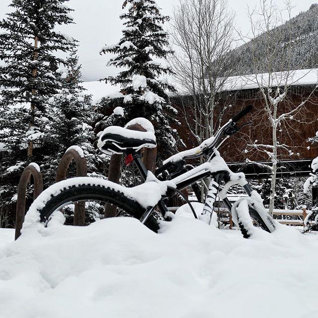 Bike packing snow. #bike #bikelife #bicycle #snow #winter #telluride #colorado #bringashovel