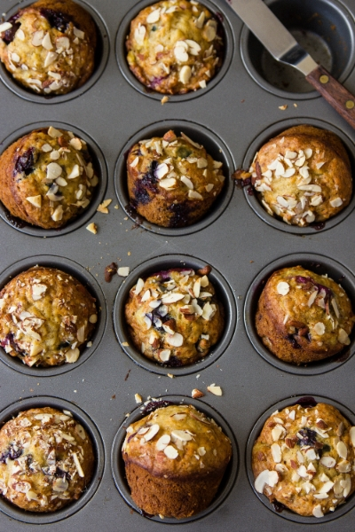 BANANA BLUEBERRY MUFFINS WITH CRUSHED ALMONDS