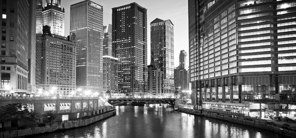 IL - Chicago River at night.jpg