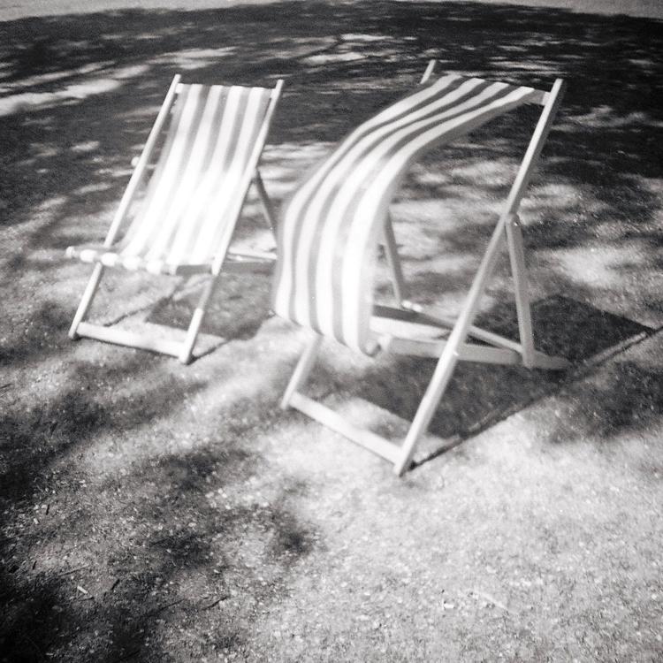 Deckchairs+in+the+Breeze.jpg