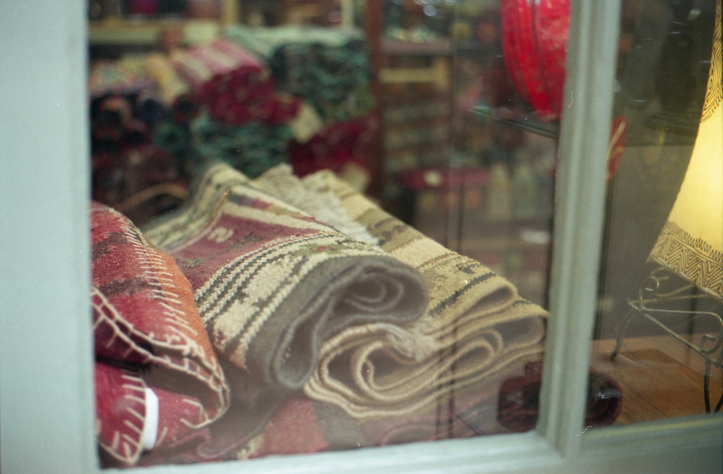 62/366 - If all else fails I go to the Corn Exchange for photos (you may have noticed lol) heres some pretty rugs in a shop window.