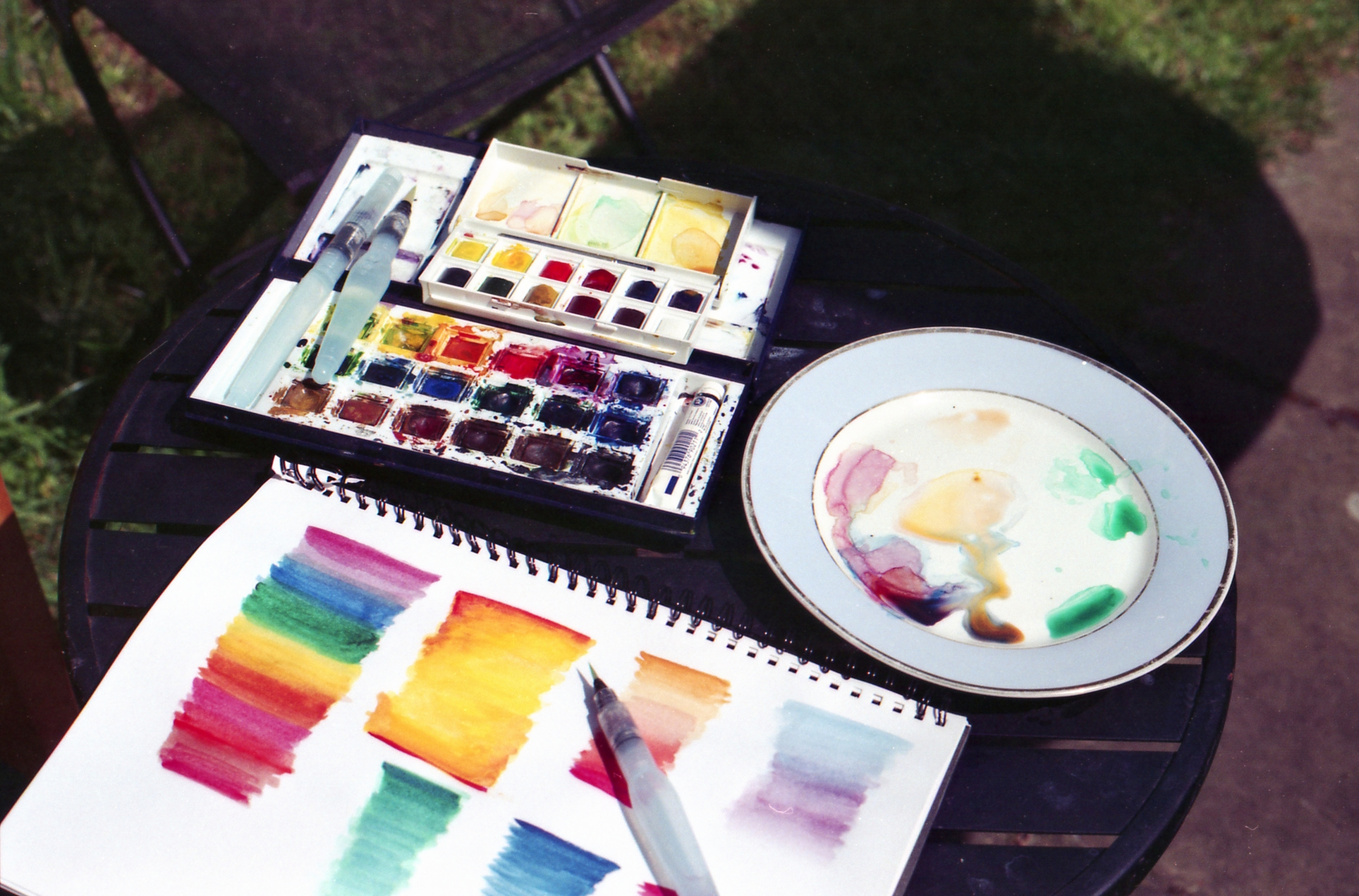 129/366 - I've been playing around with watercolours again recently (that navy messy palette of paints is so old ha!) and I'm loving it especially when its nice enough to paint outside in the sunshine.