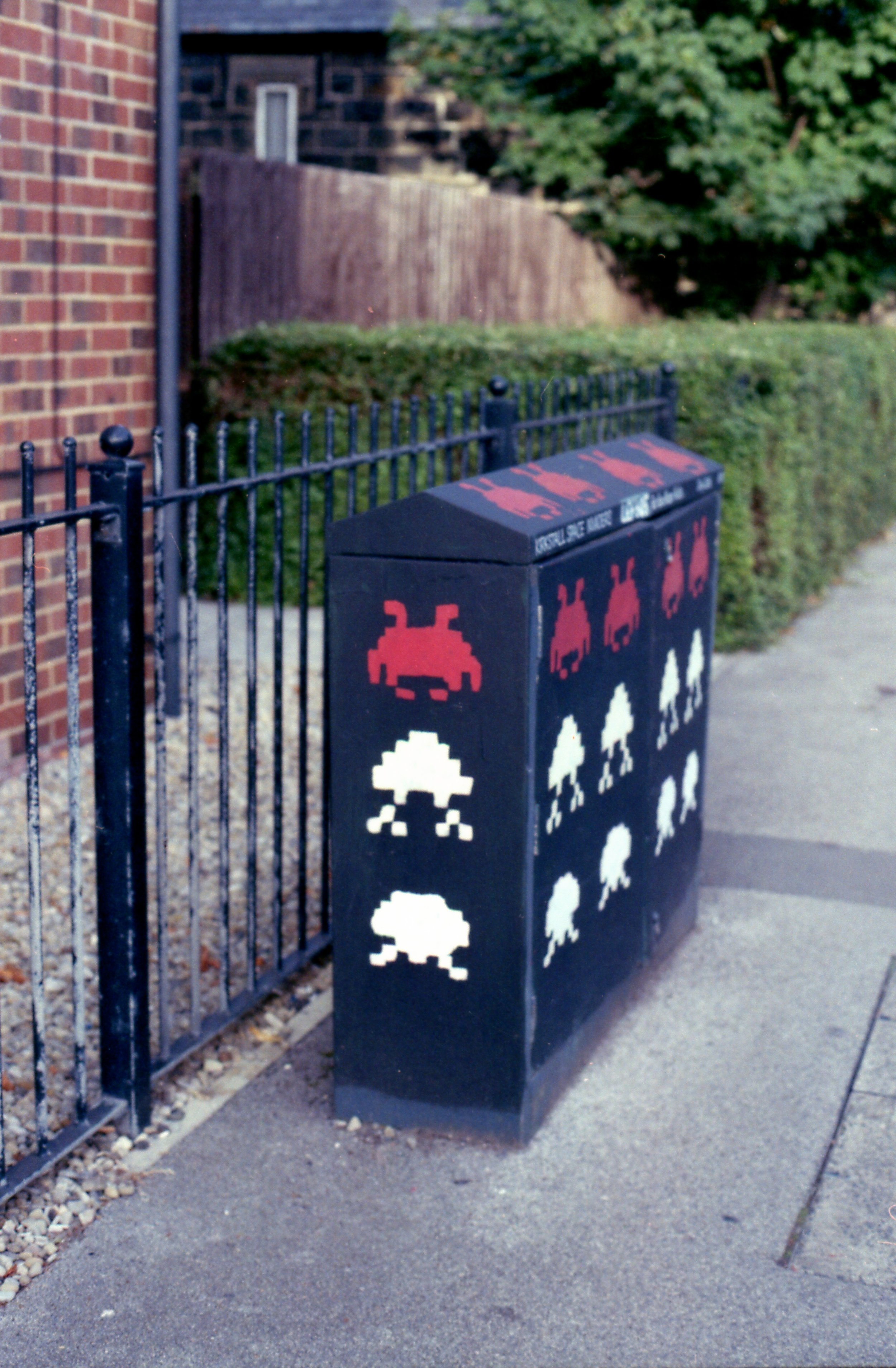 267/366 - I've spotted this a few times and not had my camera with me, so its exciting to finally get a picture. And who doesn't love random space invaders... reminds me of the ones we randomly saw around Paris.