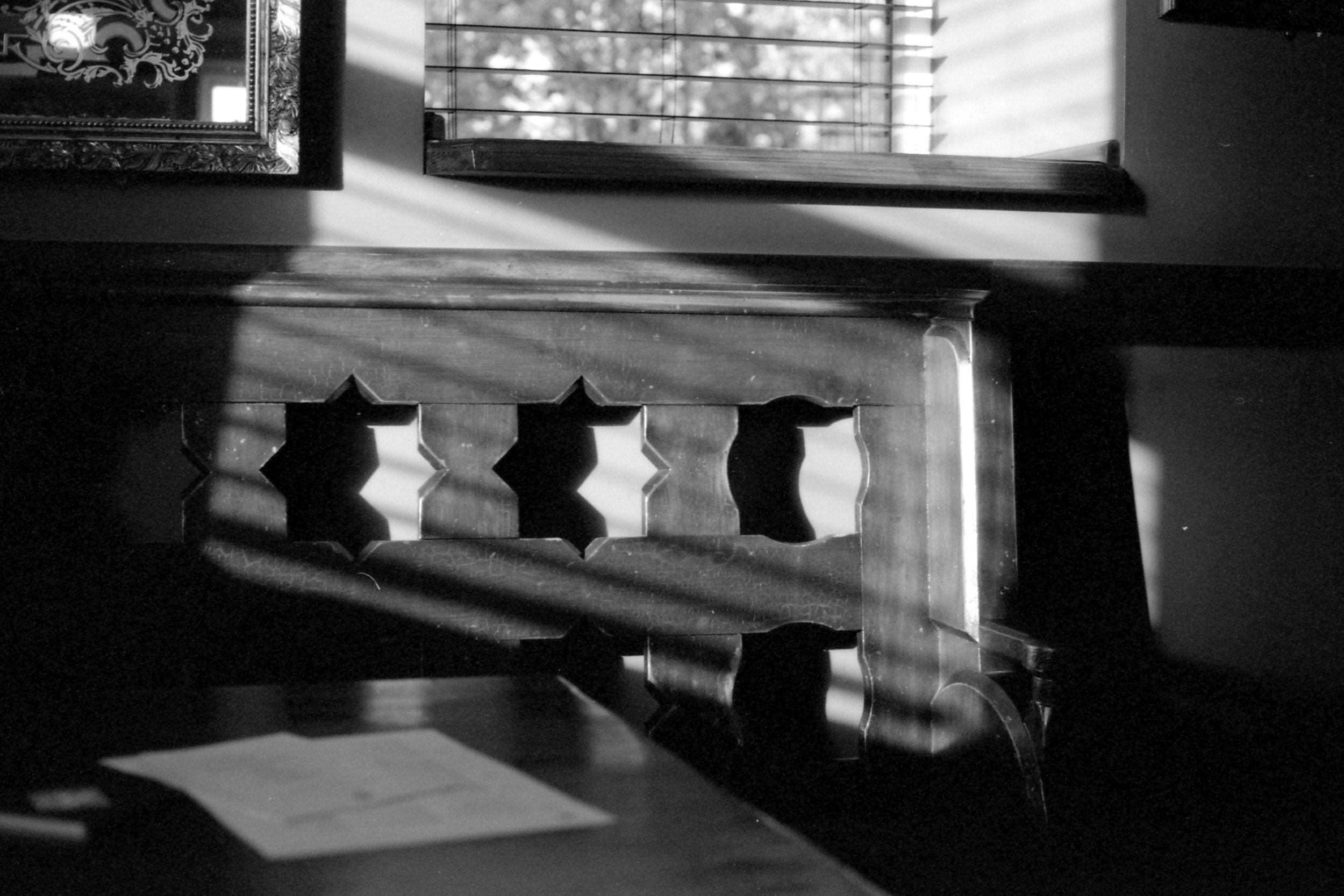295/366 - Pretty light in the pub <3
