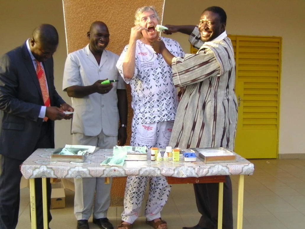 Burkina-Faso_Erste-Behandlung.jpg