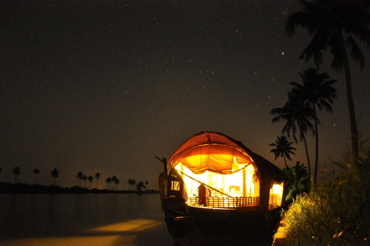 Houseboat at night in Kerala Photo credit:  Wil