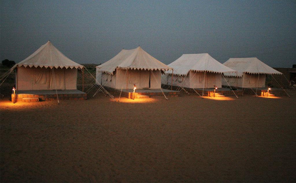 camel-safari-sam-camp.jpg