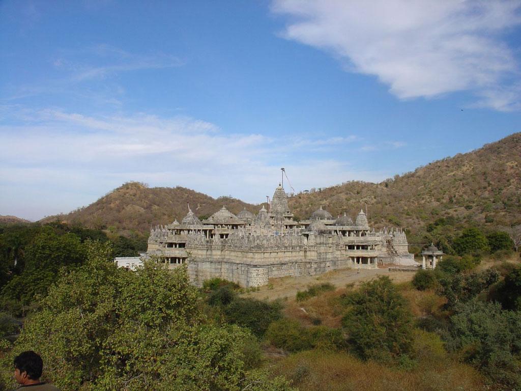 Ranakpur temple   Photo credit:  amanderson2
