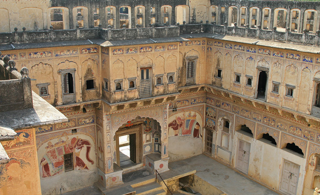 Painted haveli at Mandawa Photo credit:  Allan Grey