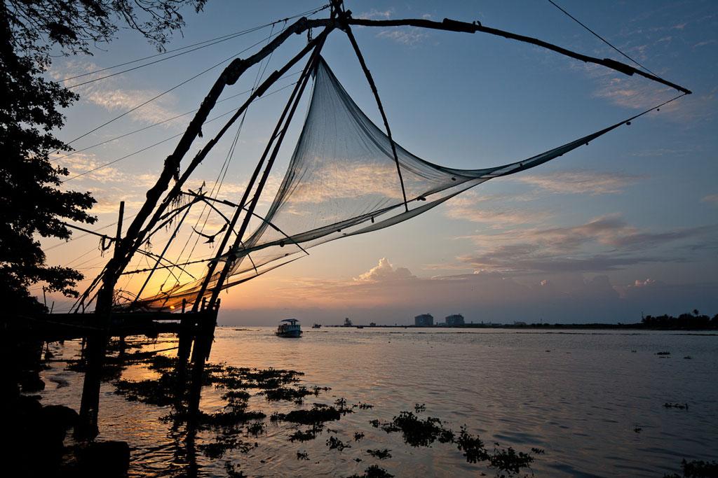 Chinese fishing nets at Cochin Photo credit:  Tom Godber