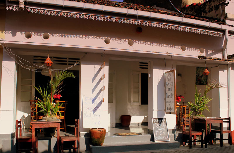 Cafe at Galle Fort Photo credit:  calflier001
