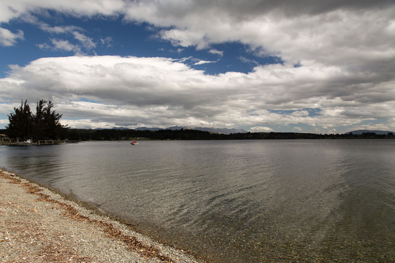 Lake Te Anau Photo credit:  Florian Bugiel