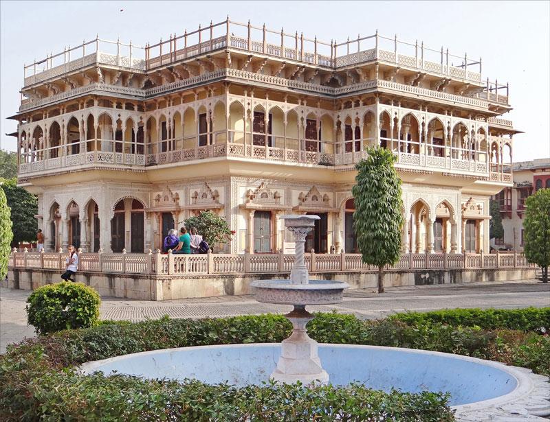 City Palace, Jaipur Photo credit: Jean-Pierre Dalbéra