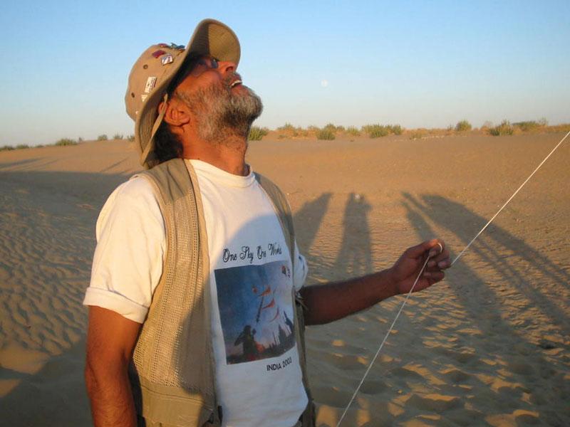 Ajay Prakash flying at the Jaisalmer dunes