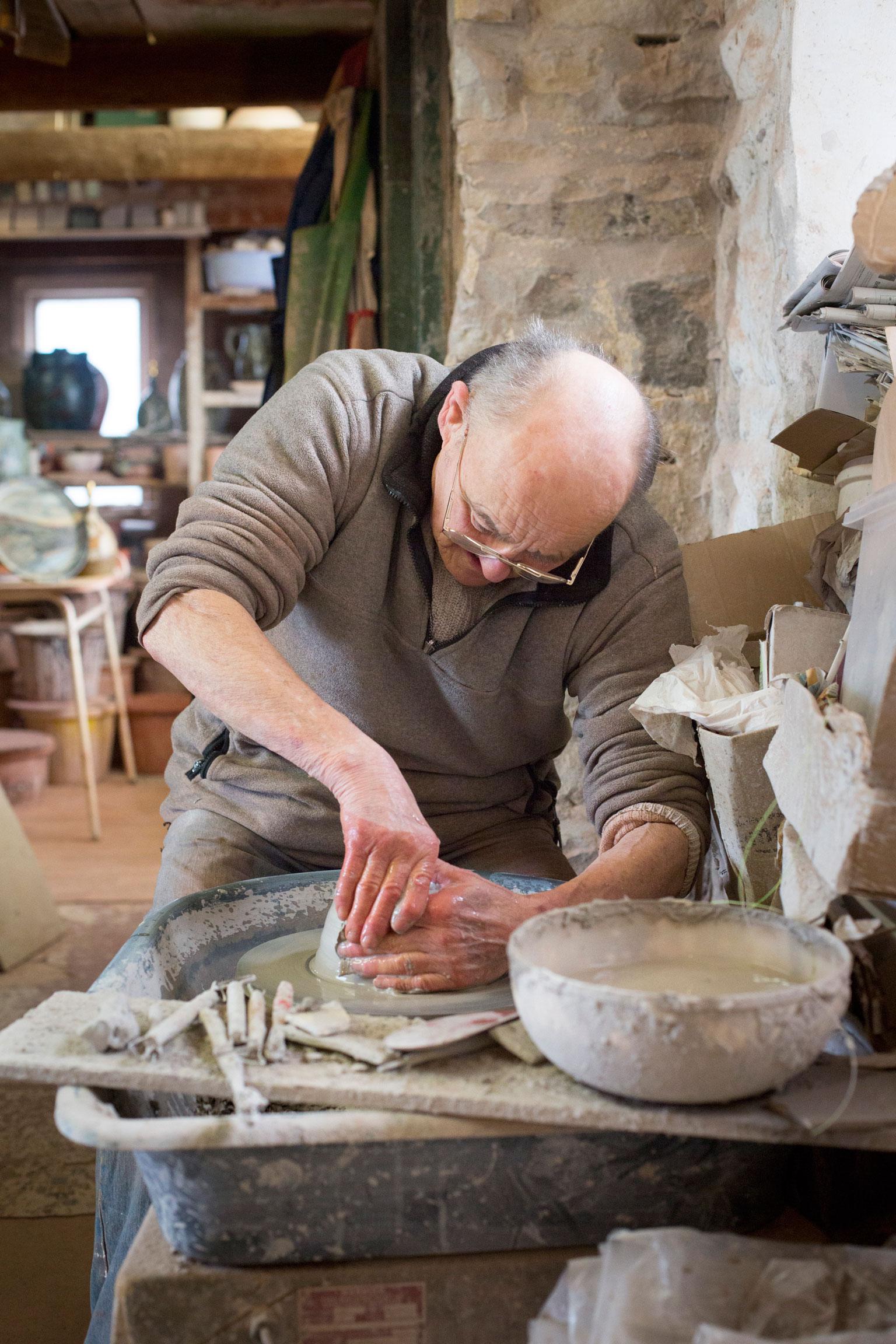 w1345k.--John-Egerton,-Sneaton-Pottery.jpg
