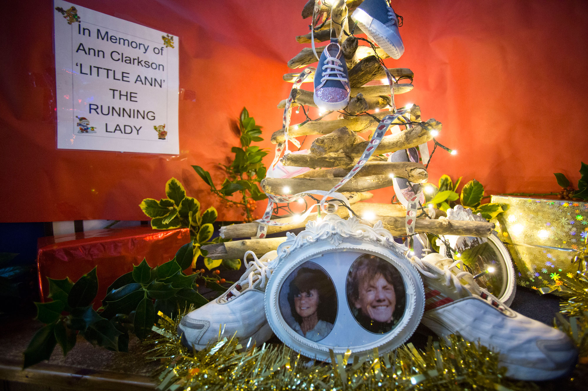 w1435f.-St.-Mary's-Christmas-Decorations.jpg