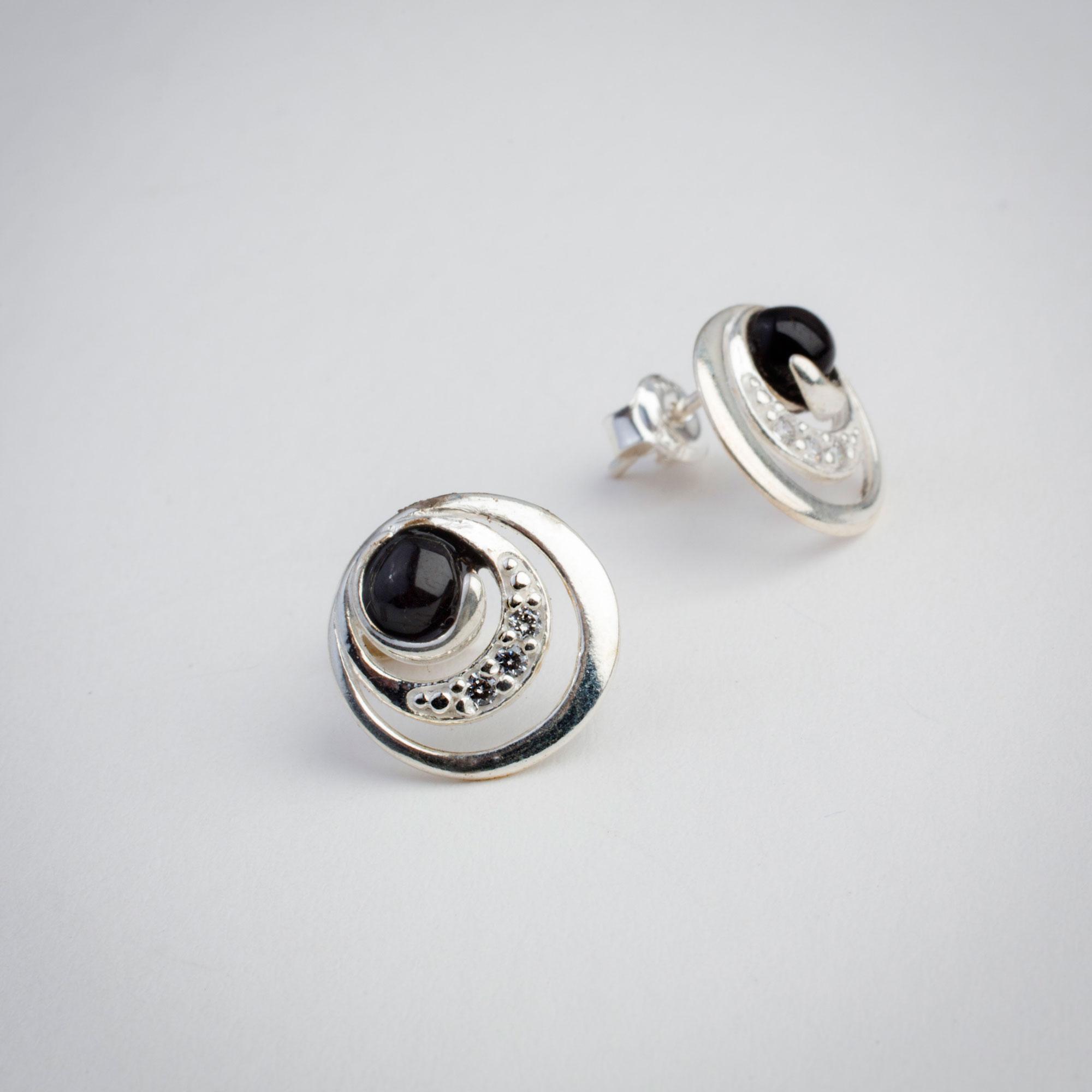whitby-jet-jewellery4.jpg