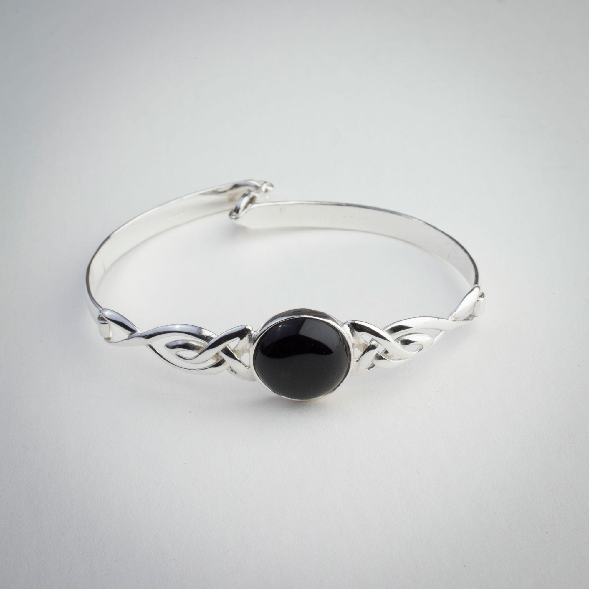 whitby-jet-jewellery5.jpg