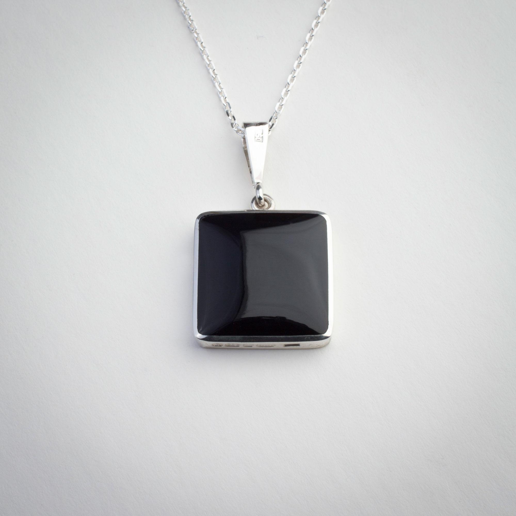 whitby-jet-jewellery6.jpg