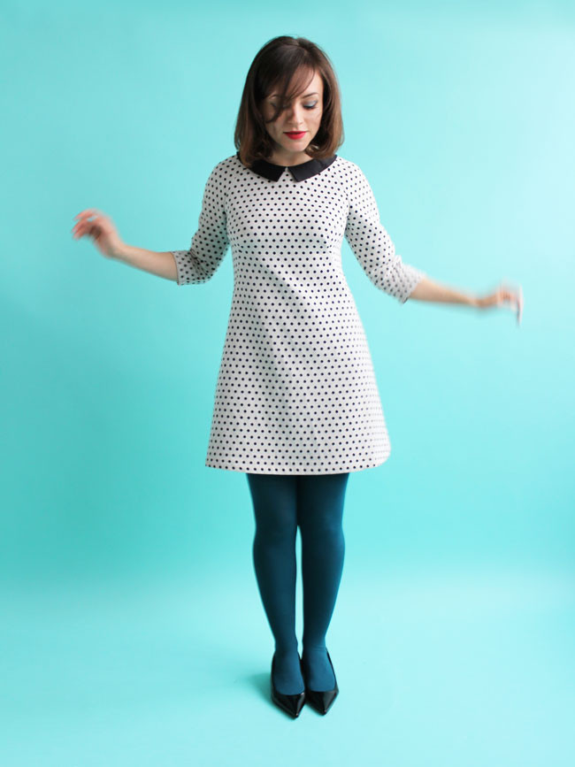 FRANCOISE  Tilly & The Buttons  Françoise is a chic and easy-to-wear mini dress, inspired by sixties fashion yet always in style. The design features striking French darts and raglan seams. Choose from two-piece three-quarter length sleeves or a sleeveless version, with optional collar and waist tab.